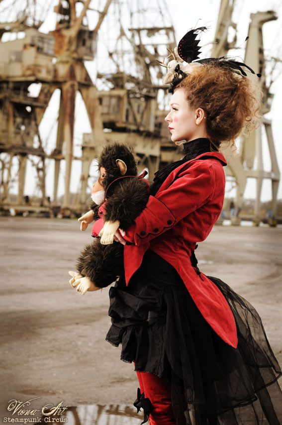 viona-art.com, steampunk circus ... Fellini's 8 1/2 has the ultimate (steampunk) circus... Juliet of the Spirits, too..