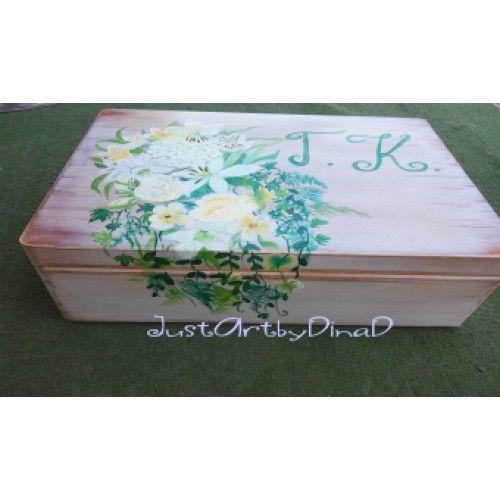 Ξύλινο  ζωγραφισμένο κουτί Δωρων ή ευχών Ανθοδεσμη