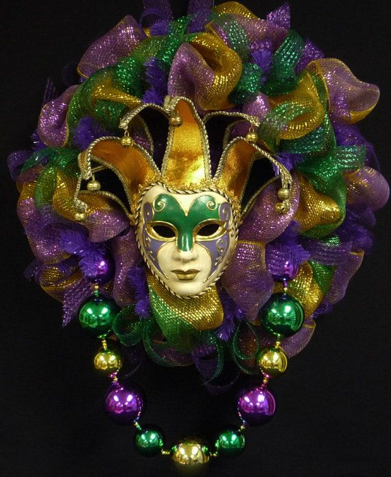 Mardi Gras Jester Mask Wreath, Mardi Gras Beads, Mardi Gras Decor, Poly Mesh, Front Door Wreath, Geo Mesh, Deco Mesh