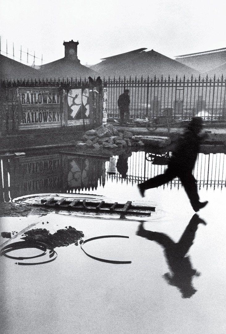 Resultado de imagen de Behind the Gare St Lazare, Paris, France 1932