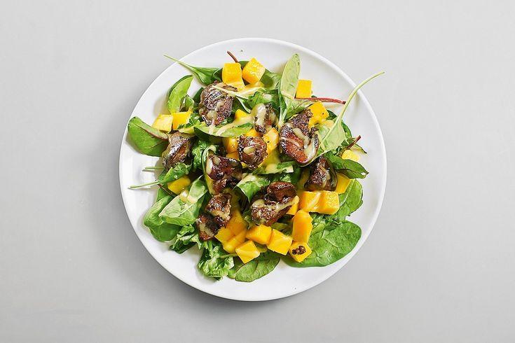 Салат с манго и куриной печенью, пошаговый рецепт с фотографиями – низкокалорийная еда: салаты. «Афиша-Еда»