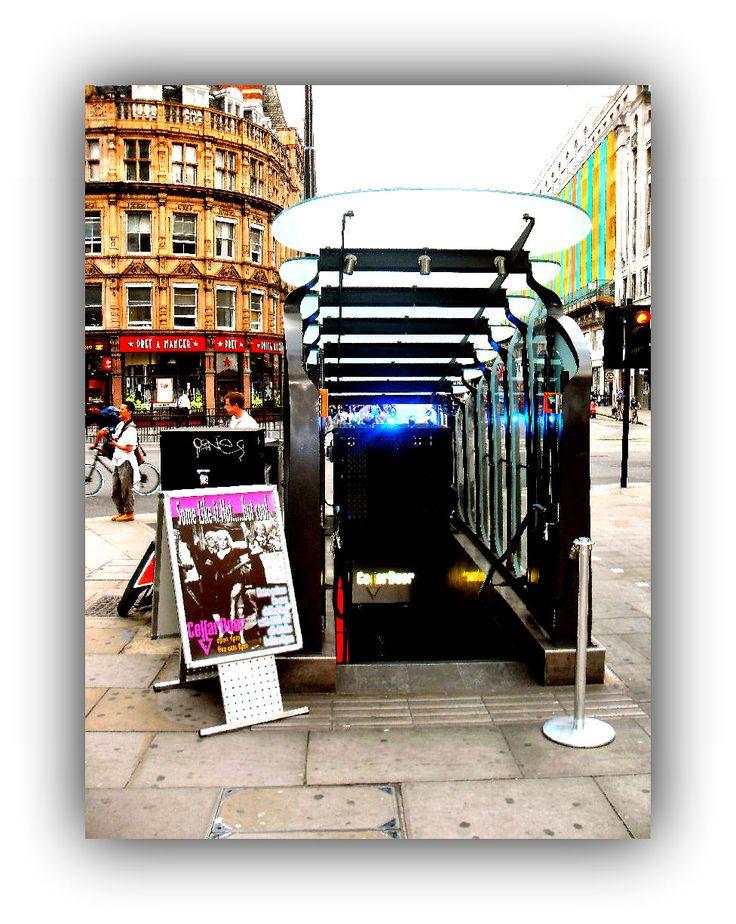 SPECIALI LUOGHI SEGRETI DI LONDRA - Meeting Benches