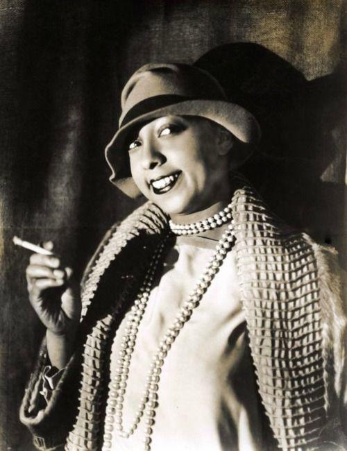 Josephine Baker, Paris, 1927 [from lascasartoris:]