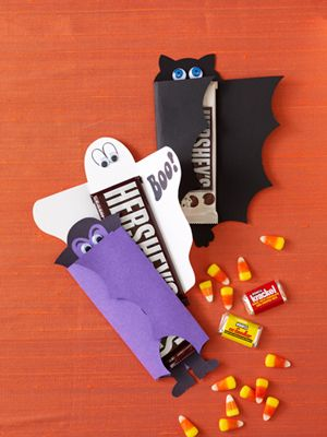 Boost the fun factor of candy bars by enclosing them in these simple-to-make spooky covers. #crafts #Halloween #DIY
