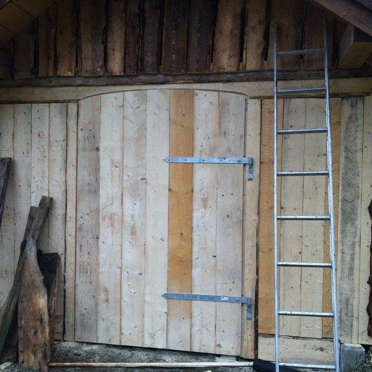 """1 likerklikk, 1 kommentarer – Arild (@a_tuxen) på Instagram: """"#woodenframe #grindbygg #stavbygg #vikings #lavvo Lavvoen i Bø, Vik, Del 7"""""""