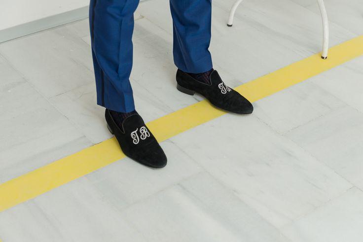 Slippers de ante azul marino. #TomBlackStyle #BodasTomBlack #Bodas #Novios #Trajes #Esmoquin