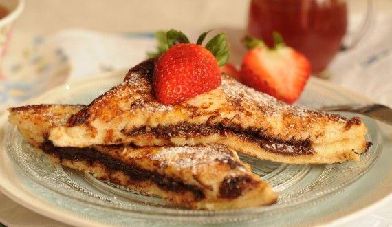 Tostadas francesas con vainilla rellenas de chocolate. Desayuno, postre... qué importa! delicioso a cualquier hora!