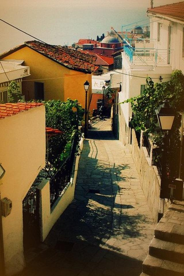 Stroll down the picturesque alleyways #Kavala #Greece