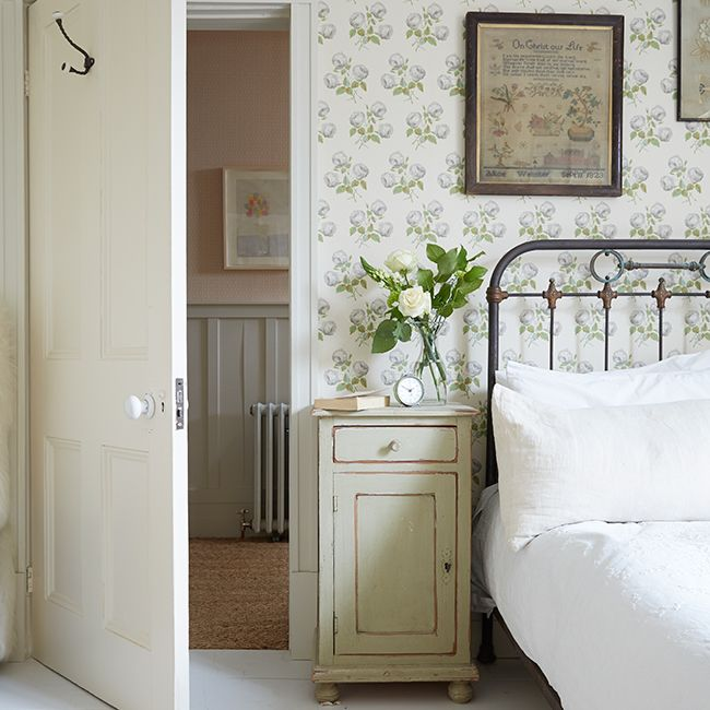 Bedroom | Beautiful airy London townhouse | The Relaxed Home