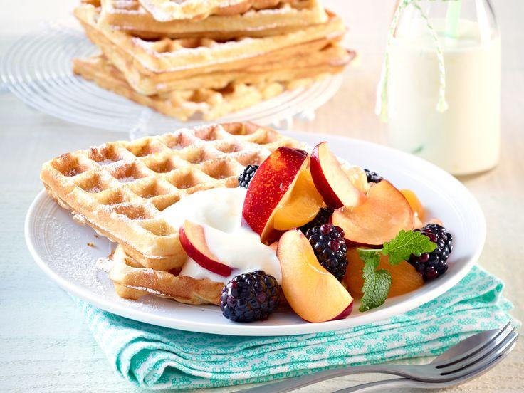 Waffelrezept-Ideen für jeden Geschmack - buttermilch-waffeln-zitronenjoghurt