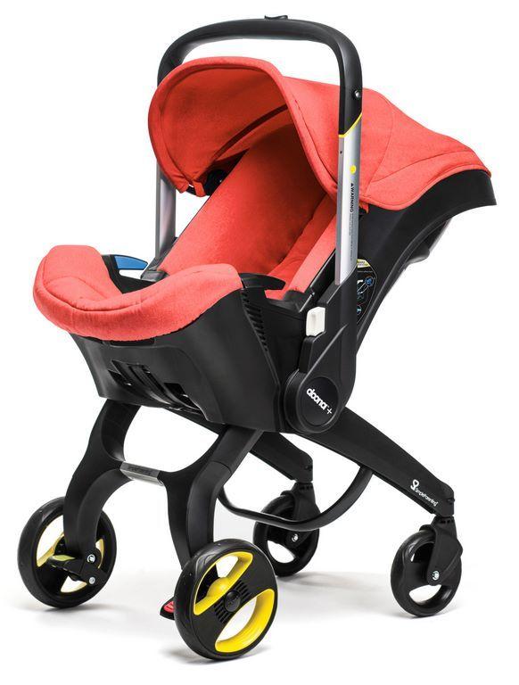 Doona+ die fahrbare Babyschale inklusive Fahrgestell. Das Gestell lässt sich für die Fahrt im Auto einklappen