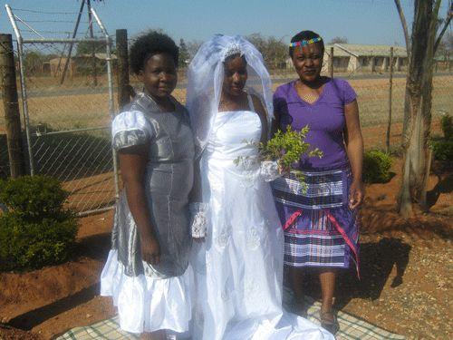 Venda bidesmaid in modern bridesmaid dress