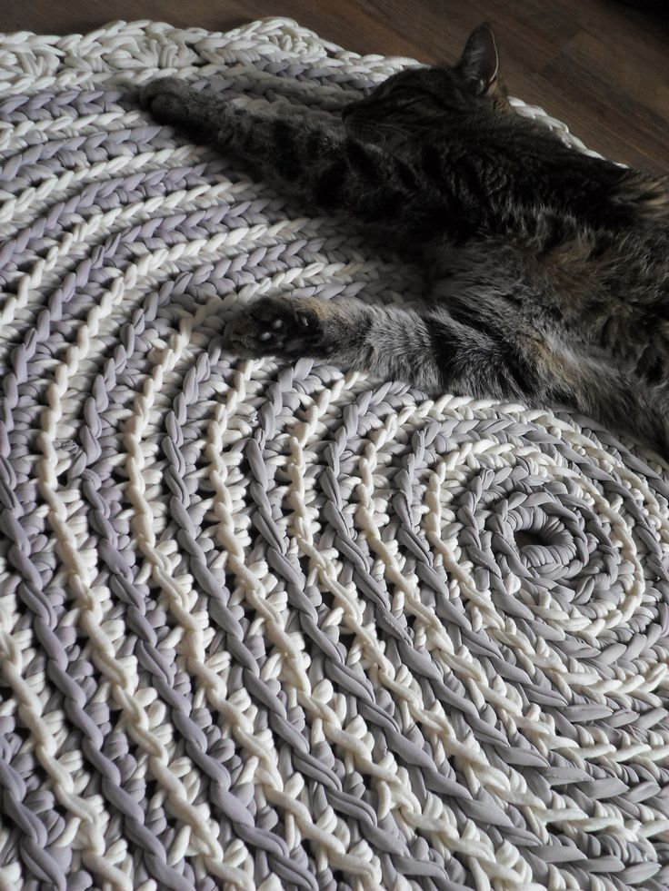 Moje pomysły, moje robótki: Dziergamy....czyli dywany szydełkowe