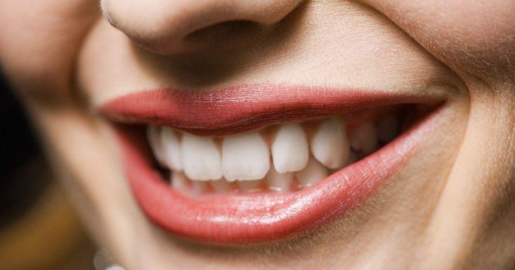 Meios de prevenir o bruxismo noturno. Ranger os dentes é um problema comum que afeta crianças e adultos. Também chamado de bruxismo, o rangimento de dentes ocorre quando as mandíbulas são prensadas uma conta a outra e movidas para frente e para trás. Embora ocorra quando a pessoa está acordada, o problema geralmente ocorre quando a pessoa está dormindo. Isso causa dor severa na ...