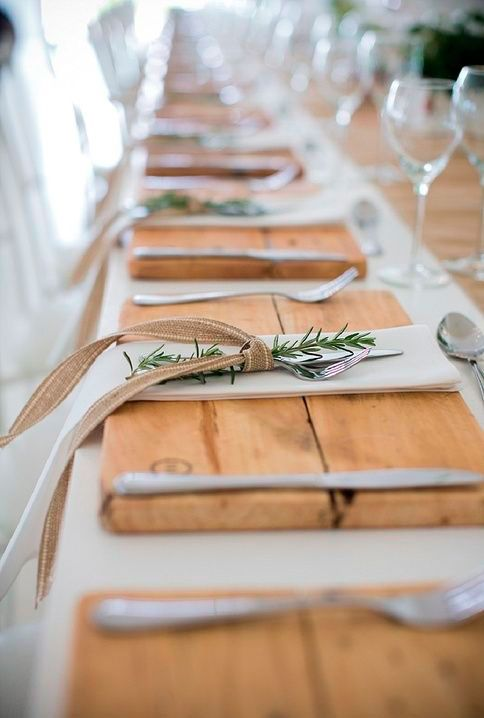 Idéias e sugestões de dobraduras de guardanapos para a decoração de mesas lindas e elegantes