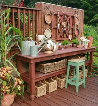 Beautiful Potting Bench with Cabinet