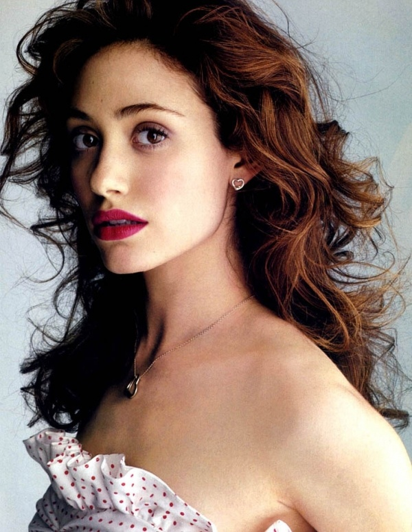 I love Emmy Rossum - I aspire to have hair like this!