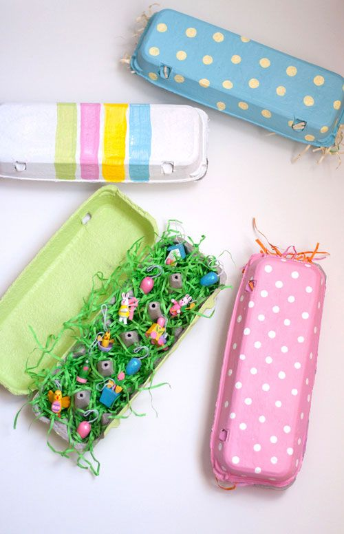 MAKE EGG CARTON GIFTS (via http://www.designmom.com/2013/03/the-perfect-gift-easy-painted-egg-cartons/)
