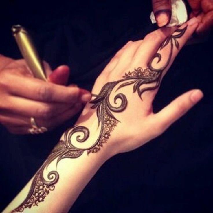 Arabic-Mehndi-Designs-For-Bakra-Eid-2013-015.jpg
