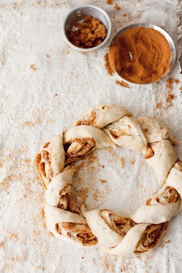 Supposedly better than cinnamon rolls| finnish pulla breakfast bread |