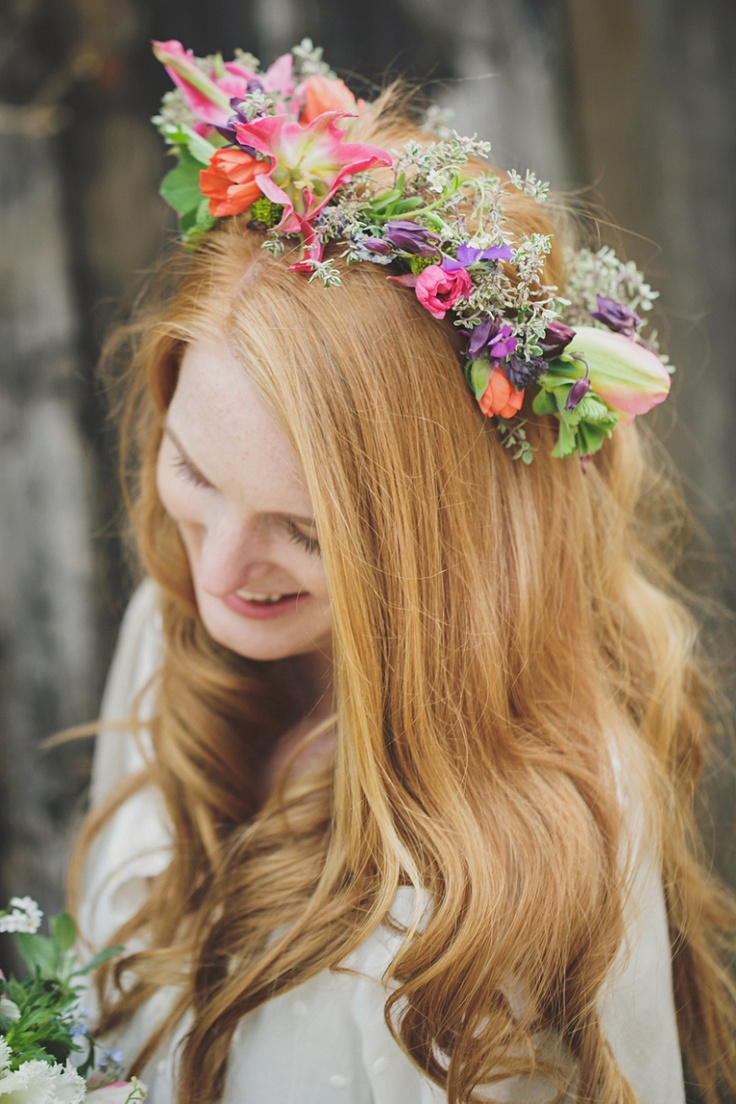 Bohemian Inspired Photoshoot at Broadfield Court | Herefordshire. Photographer, Gemma Williams. Floral crown by BareBlooms.