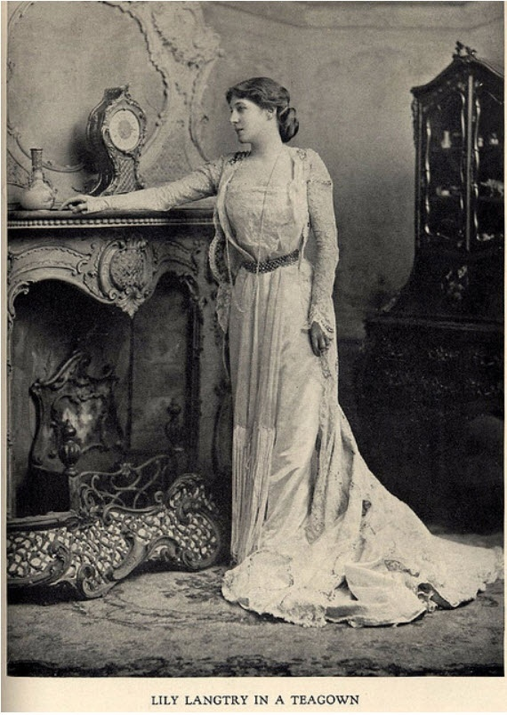 The Tea Gown Revisited… | Lily Absinthe