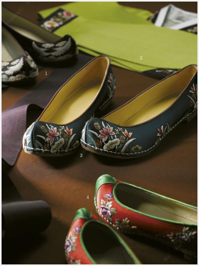 korean silk shoes, with lotus embroidery