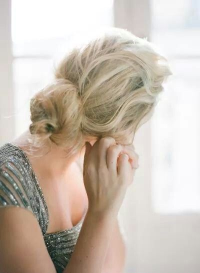 Simple yet so beautiful ❤ #wedding#hairstyle