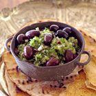 Een heerlijk recept: Komkommersalade met olijven met zaatar