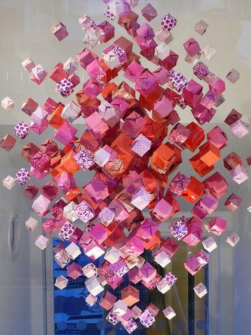 Recycled paper origami chandelier, and other recycled paper art. bonne idée de décor et de jeu de patience!!!