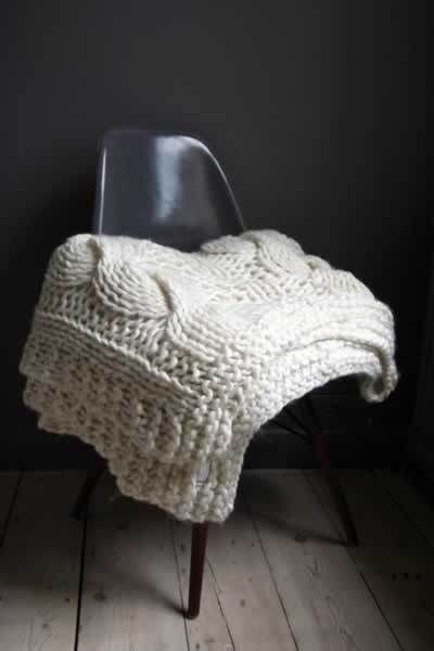 Winter knitting: thick cable throw!