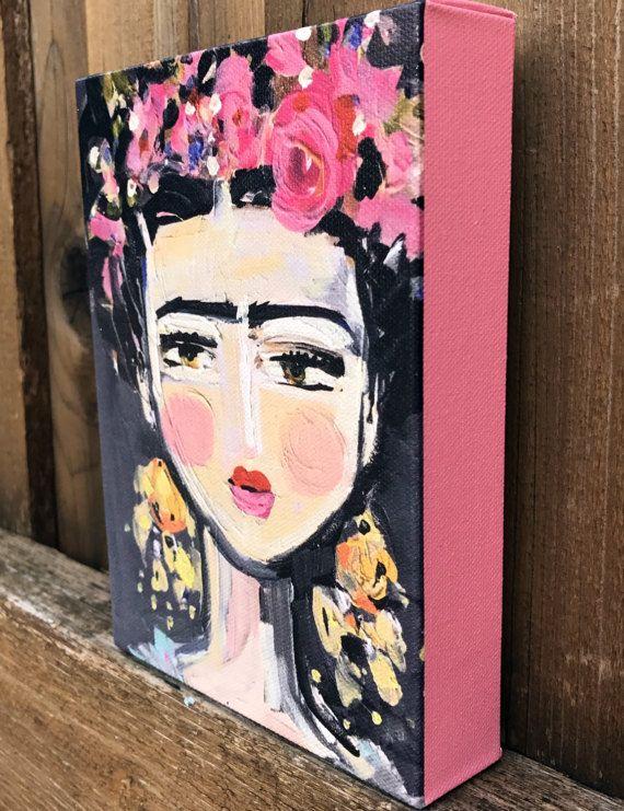 Fino Frida imprime en lienzo envuelto, lados son color de rosa y 1 1/4 profunda varios tamaños Marca de agua no aparecerá en tu impresión. Lona impresión tiene 1 1/4 partes que son el mismo color de rosa como flores, ganchos en la parte posterior y bonitos acabados hacia fuera con tablero negro en la espalda. Tintas archivales en la lona, bonita y sustancial. Frida Kahlo en una versión estilizada, pintura original tenía un montón de textura, por lo siento demuestra para arriba en las im...