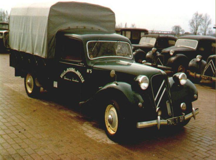 Traction bâche  Le Danemark a construit des Tractions Fourgonnettes , On se demande pourquoi Citroën n'a jamais mis au catalogue un petit utilitaire sur base Traction.