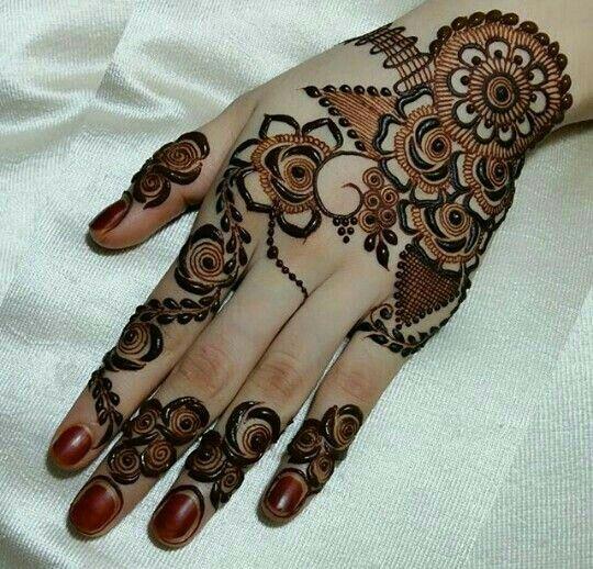 Mehindy tattoo... @rt&misi@.
