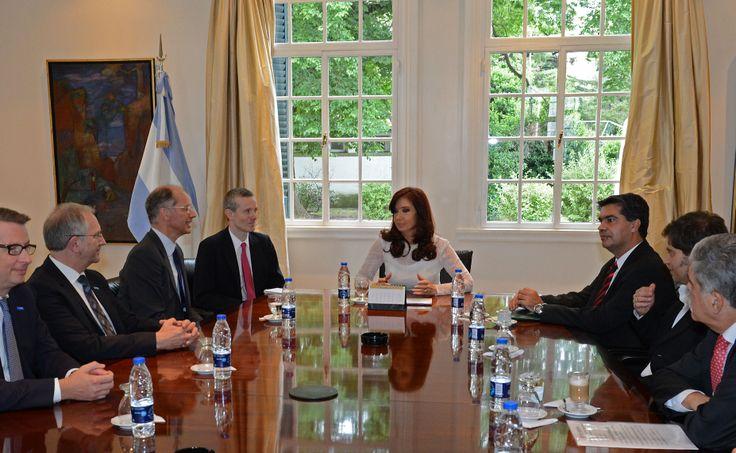 Cristina Fernández de Kirchner recibió en la Residencia de Olivos a directivos de la empresa química alemana BASF, junto a miembros de su Gabinete.