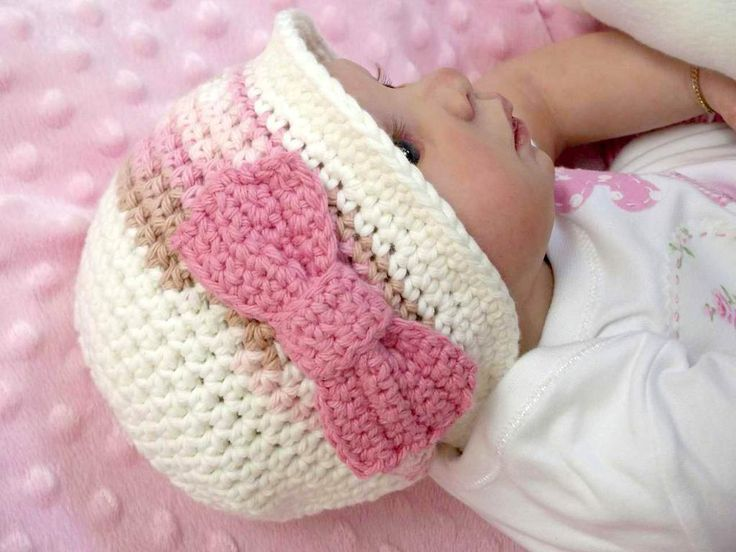 Autumn Hat with a Bow by Britta   Crocheting Pattern