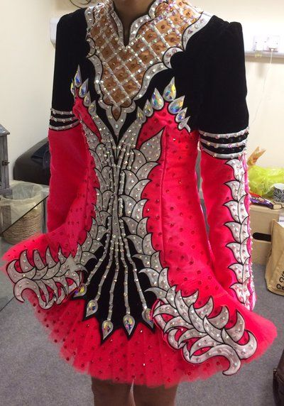 I am in love with this Celtic Star dress. They did a wonderful job