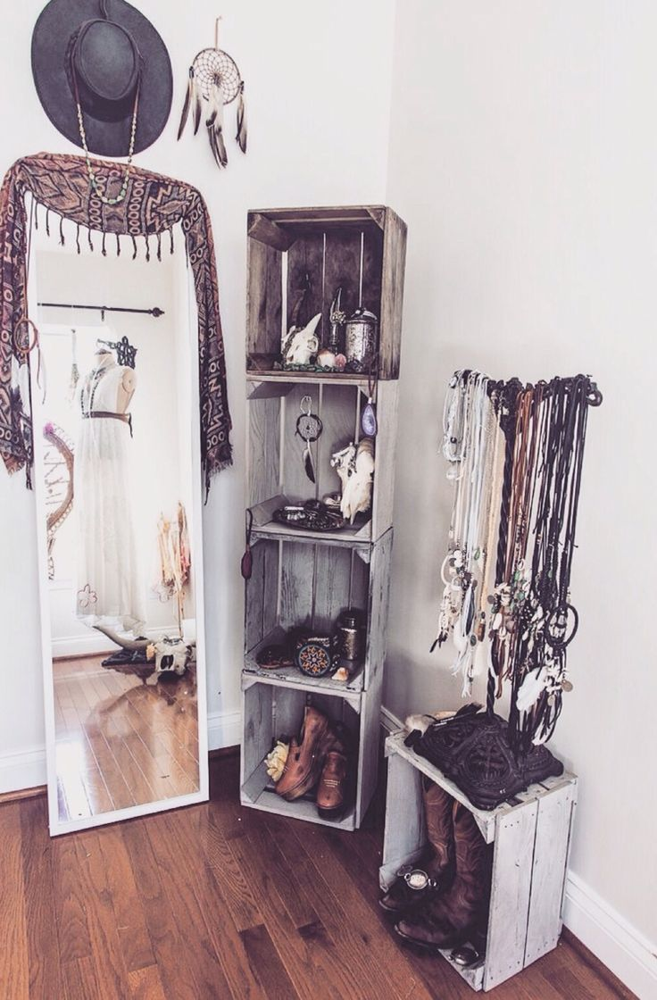 A great way to store accessories but also make them part of the decor #UOonCampus #UOContest