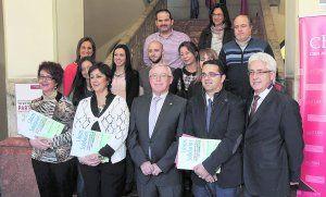 La UMU vende libros en beneficio de personas con enfermedades raras http://www.laverdad.es/murcia/v/20140402/region/vende-libros-beneficio-personas-20140402.html
