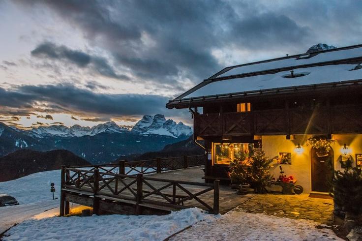 Rifugio Costa Piana a Valle di Cadore Belluno Dolomiti Veneto Italia