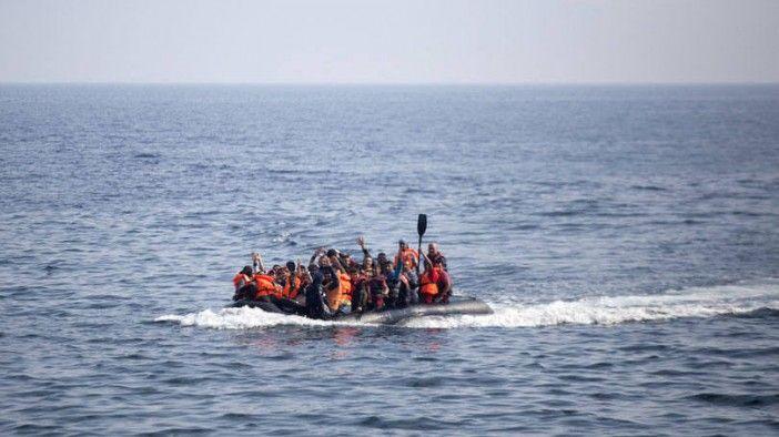 Novo naufrágio em ilha grega deixa 34 mortos, entre eles quatro bebês http://angorussia.com/noticias/mundo/novo-naufragio-em-ilha-grega-deixa-34-mortos-entre-eles-quatro-bebes/