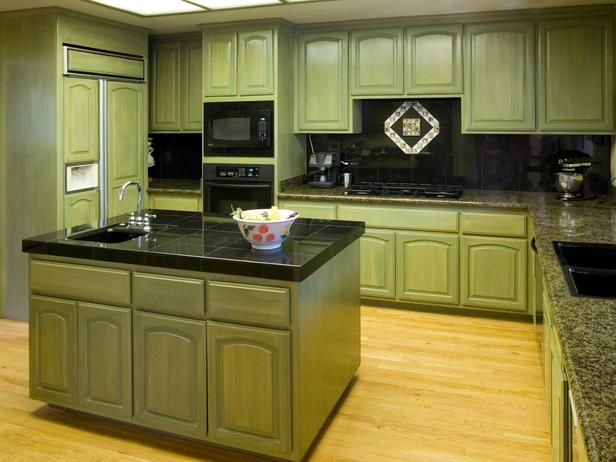 Green Cabinets Kitchen Bring A Soothing Neutral Earth Tone To Your Countertop Pinterest