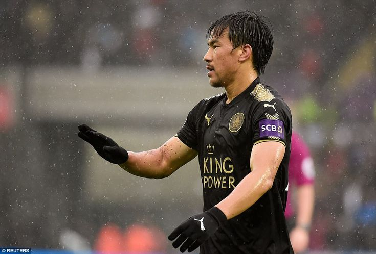 Okazaki had the game's first shot after just one minute, before Marc Albrighton and Jamie Vardy also worked the goalkeeper