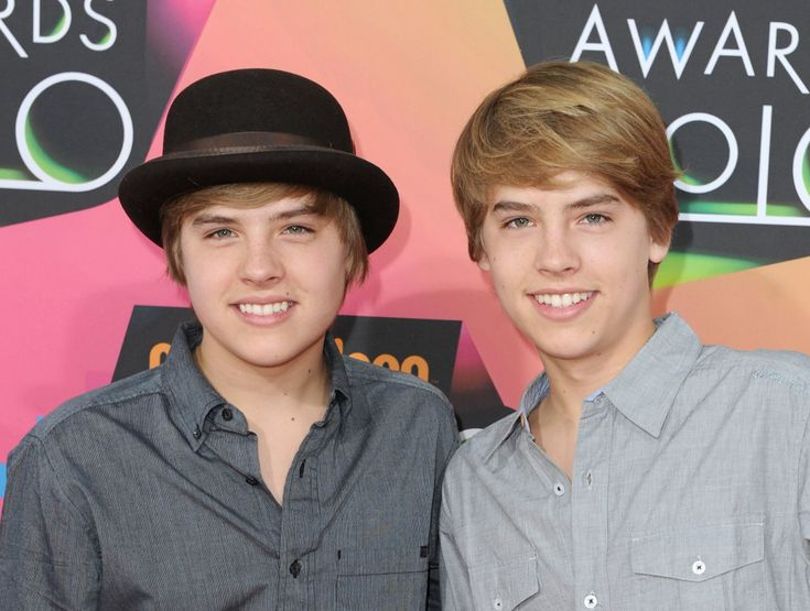 What Happened to Dylan & Cole Sprouse? 2016 Update  #thesuitelifeofzachandcody http://gazettereview.com/2016/02/happened-dylan-cole-sprouse/
