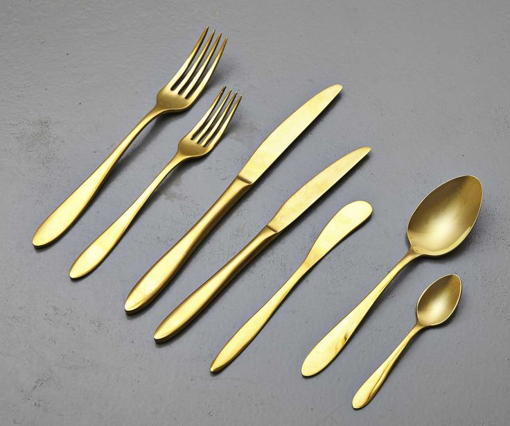 Gold Cutlery Gold cutlery gives any table a luxurious feel, we hold large stock of dinner knives, dinner forks, starter knives, starter forks, tea spoons, dessert spoons and soup spoons.  Please note we only hire Gold Cutlery as part of a package e.g. including glassware, crockery or furniture.
