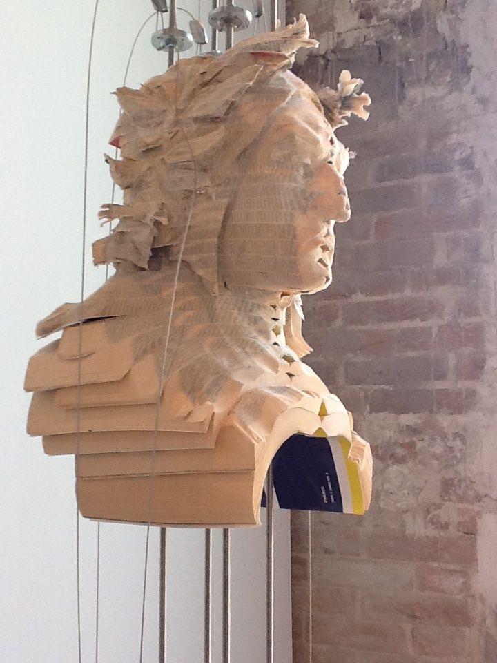 Bienal de Veneza. Artista: Wim Botha, Pavilhão da África do Sul. Foto por Lais Castro.