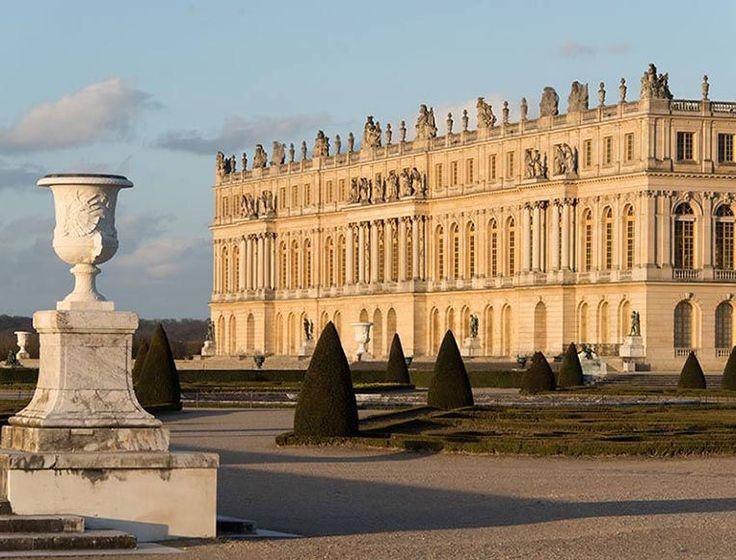 The 25 best Palacio de versailles ideas on Pinterest Chateau