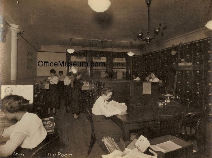 File_Room_Alexander_Hamilton_Institute_NYC_c_1914_OM.jpg (1030×768)