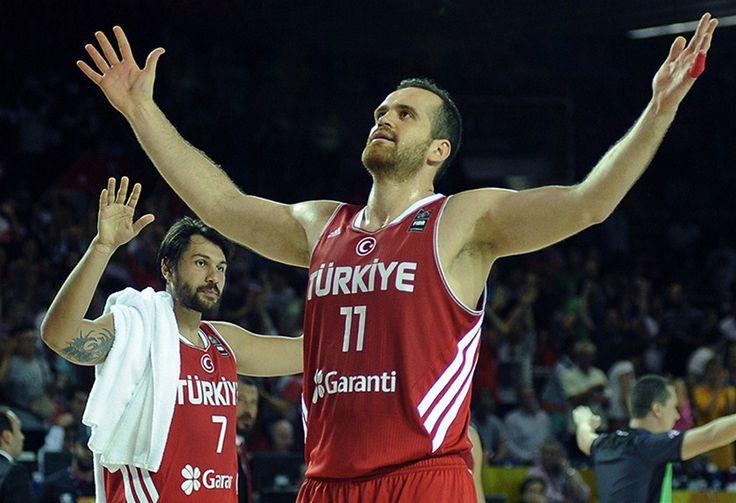 FIBA Dünya Kupası C Grubu'nda Türkiye, Dominik Cumhuriyeti'ni 77-64 mağlup ederek grup ikincisi olmayı başardı.Son 16'ya kalan takımızın rakibi Avusturalya oldu.