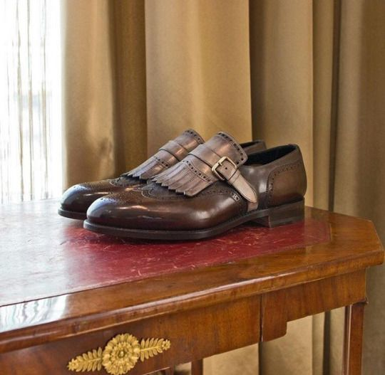 Santoni single buckle shoes.     Available at: https://www.incrocio.gr/en/monk-strap-shoes/santoni-shoes-5.html — at Incrocio.    #santoni #shoes